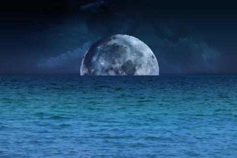 blue moon and sea ©marina kanavaki